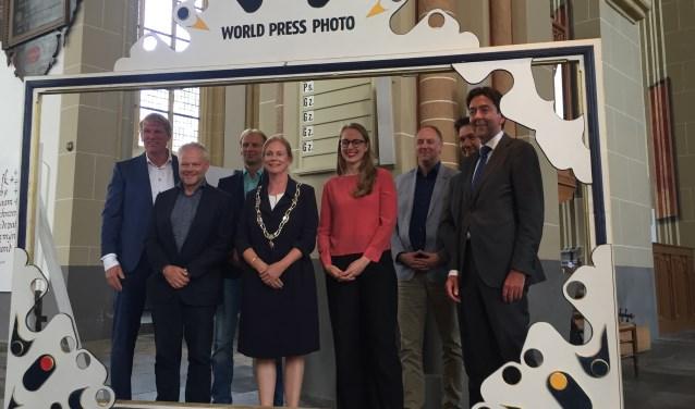 Foto opening World Press Photo Zutphen 2017 door Bernadet te Velthuis, Contact