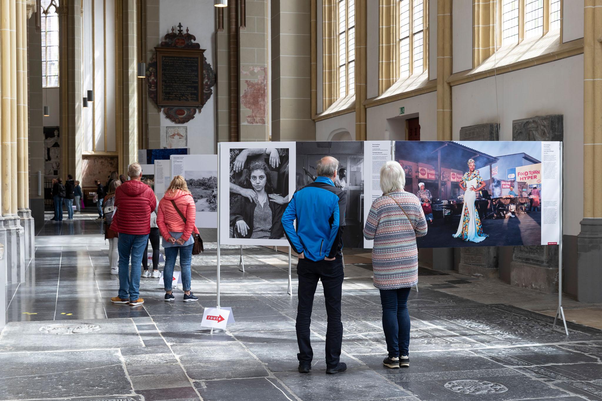 World Press Photo in de Walburgiskerk te Zutphen. Foto Patrick van Gemert/Zutphens Persbureau
